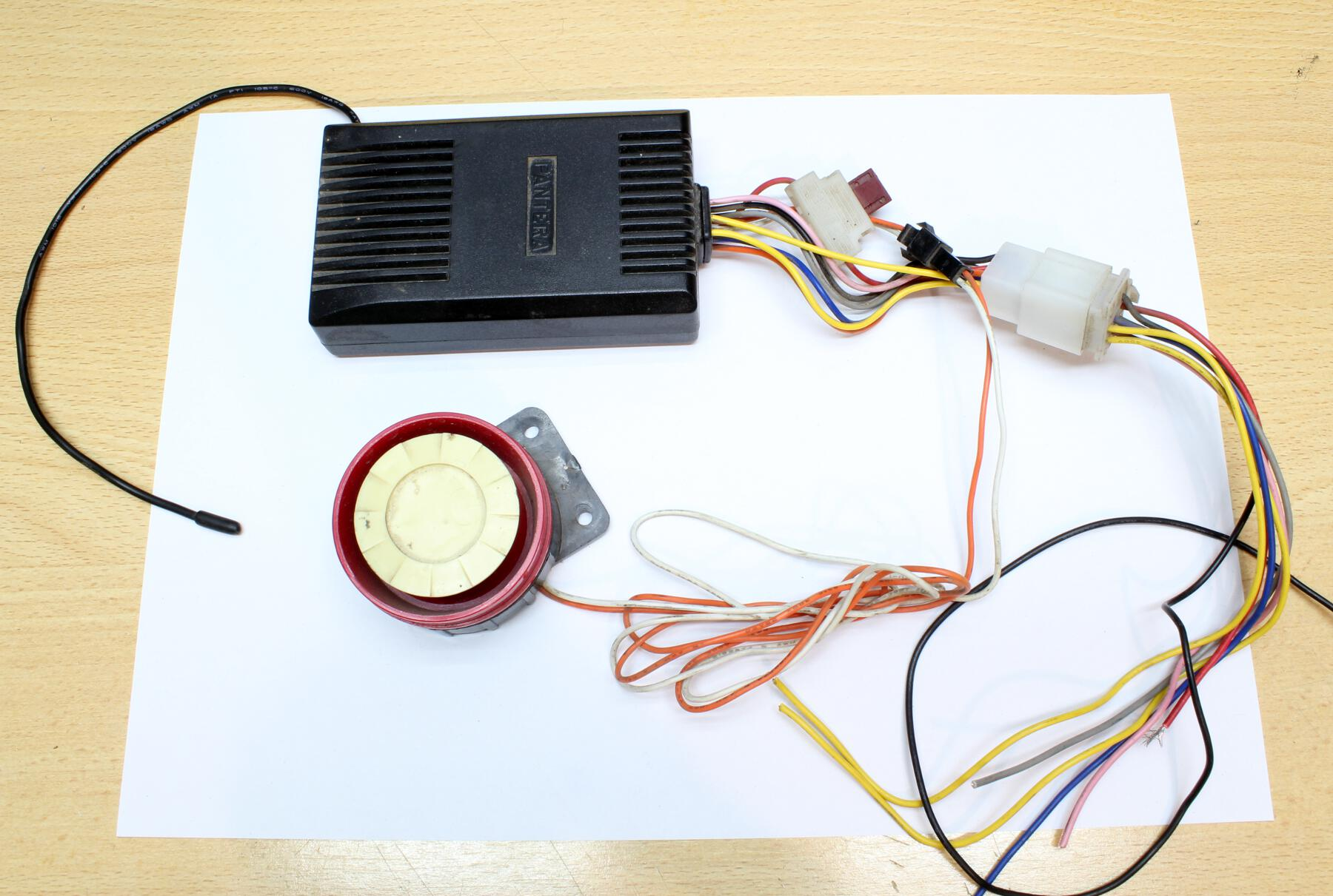 Peachy Why You Dont Want To Buy A Cheap Alarm Motorcycle Alarm Teardown Wiring 101 Cranwise Assnl